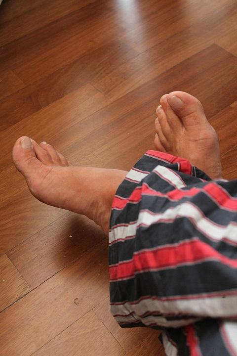 feet-199551_1280 (1)